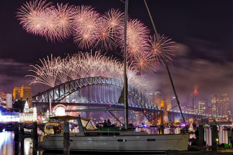 Silvester in Sydney mit einem unvergleichbaren 12 minütigen Feuerwerk