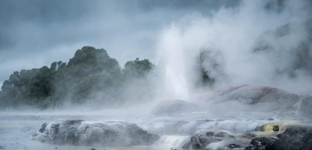 Die Stadt Rotorua ist bekannt für Geysire - der natürliche (und nicht künstlich erzeugte) Ausbruch ein beeindruckendes Naturschauspiel
